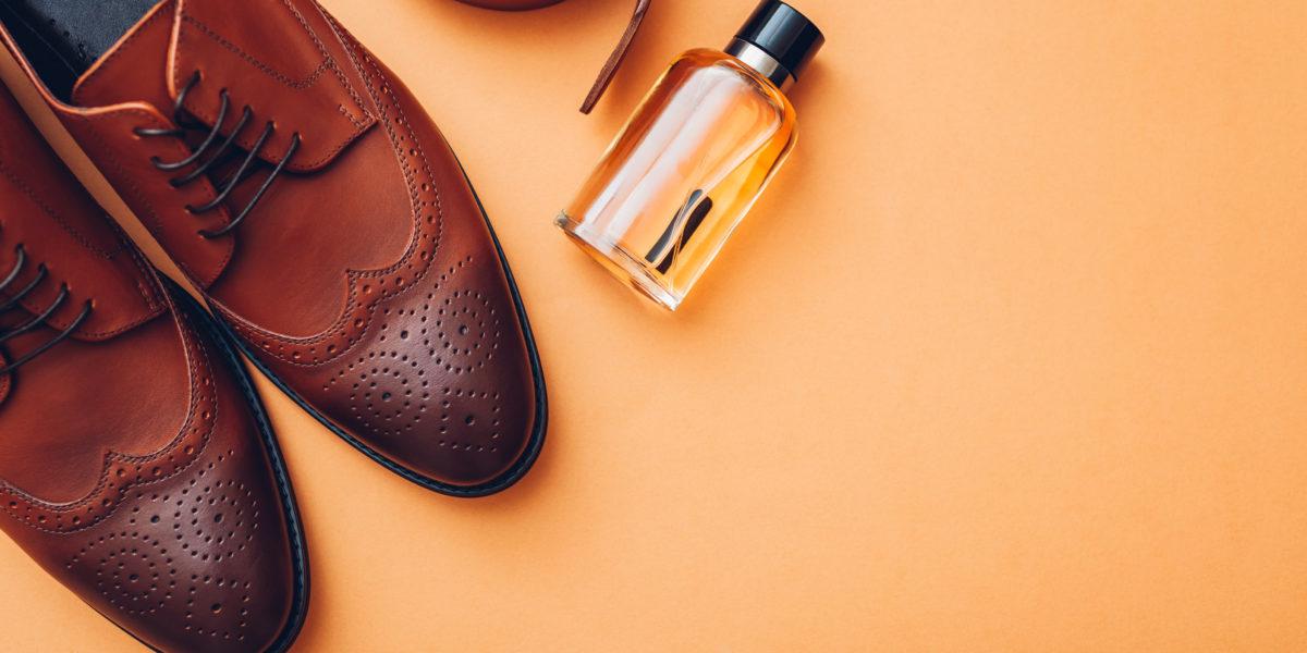 chaussures, parfum et ceinture à offrir comem cadeau de luxe pour la saint valentin